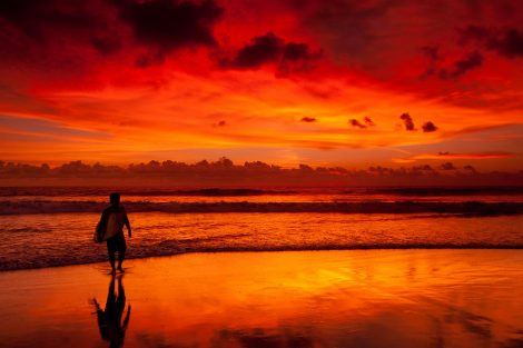 Watching sunset on a Bali beach costs nothing